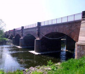B180 BW 0590 A2 bei Naumburg; Saalebrücke